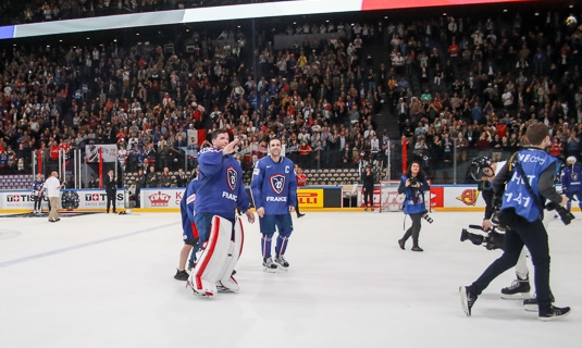 Photo hockey Championnats du monde -  : France (FRA) vs Slovenie (SLO) - Monsieur Roussel Merci pour eux !