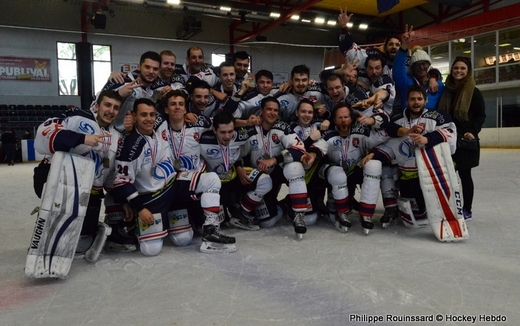 Photo hockey Division 3 - Division 3 : Play-Off carré final - J3 : Asnières vs Caen II - Caen II sur le podium !
