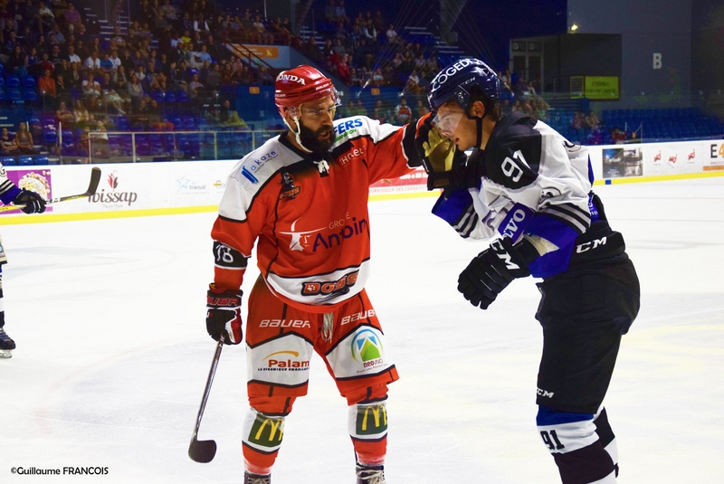 Photo hockey Hockey en France -  : Nantes  vs Cholet  - Nantes en rodage