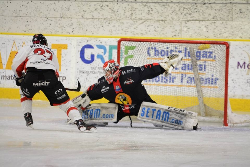 Photo hockey Ligue Magnus - Ligue Magnus : 32ème journée : Chamonix  vs Mulhouse - Les Pionniers enfoncent les Scorpions