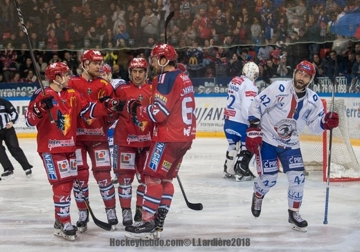 Photo hockey Ligue Magnus - Ligue Magnus : 41ème journée : Grenoble  vs Lyon - Grenoble rosse le lion