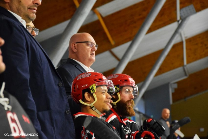 Photo hockey F. Spinozzi : Neuilly est ambitieux - Division 1 : Neuilly/Marne (Les Bisons)