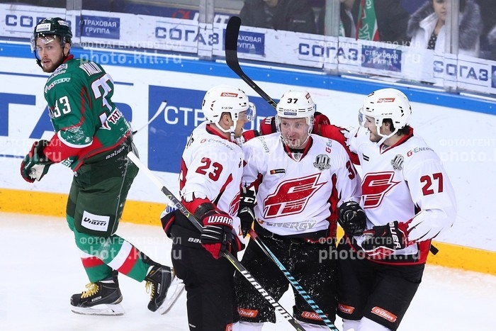 Photo hockey KHL : Duel au sommet  - KHL - Kontinental Hockey League