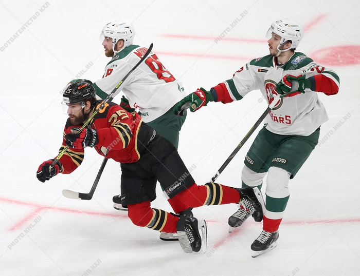 Photo hockey KHL : La panthère des neiges sort du bois - KHL - Kontinental Hockey League