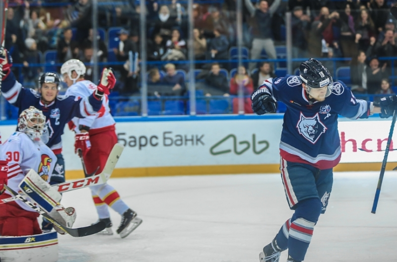 Photo hockey KHL : Le Loup chasse sur ses terres - KHL - Kontinental Hockey League