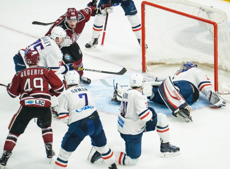 Photo hockey KHL : Les têtes continuent de tomber - KHL - Kontinental Hockey League