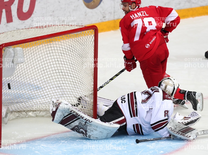 Photo hockey KHL : Patience et longueur de temps... - KHL - Kontinental Hockey League