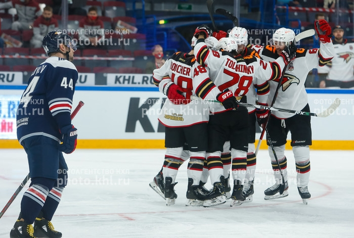 Photo hockey KHL : Seul en tête - KHL - Kontinental Hockey League