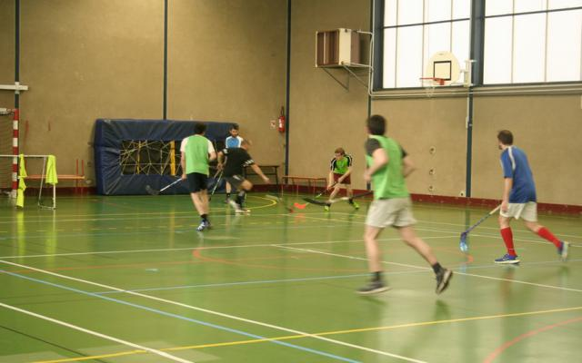Photo hockey Le Mans se met au floorball - Floorball