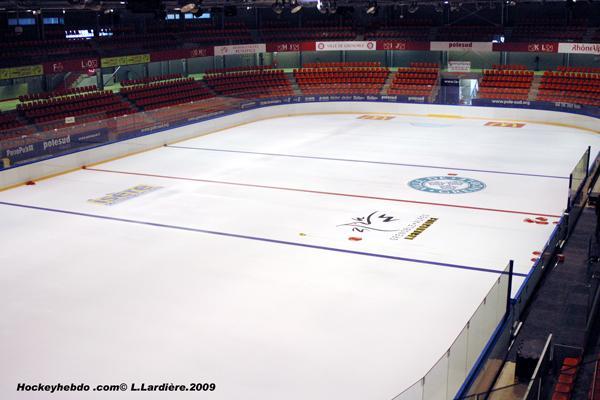 Hockey sur glace lm pole sud fait peau neuve ligue for Piscine sud les dauphins grenoble