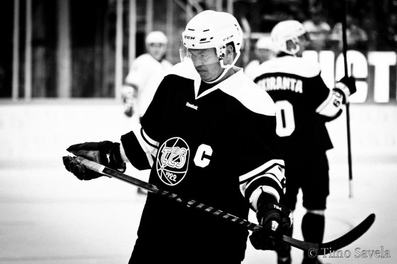 hockey sur glace   un dinosaure au japon