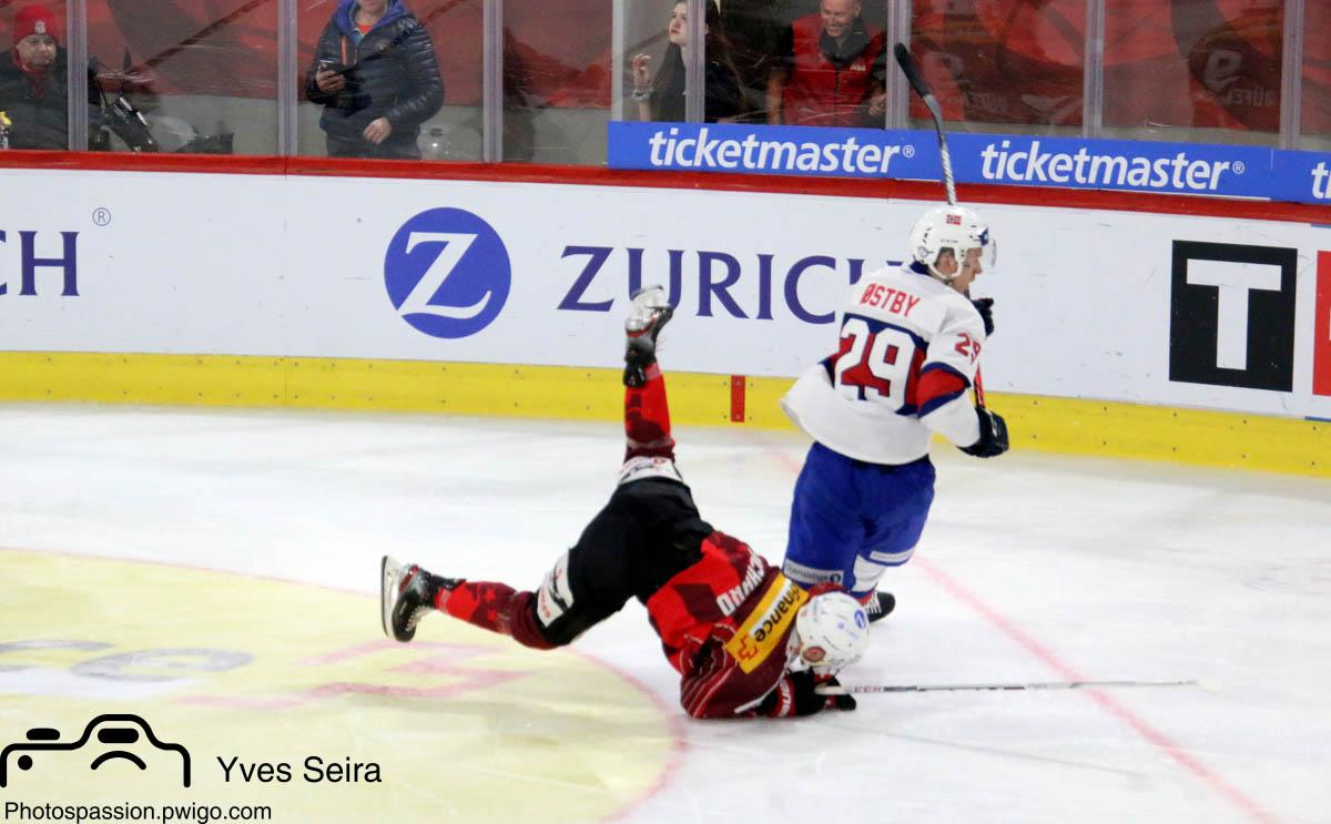 Photo hockey match Switzerland - Norway