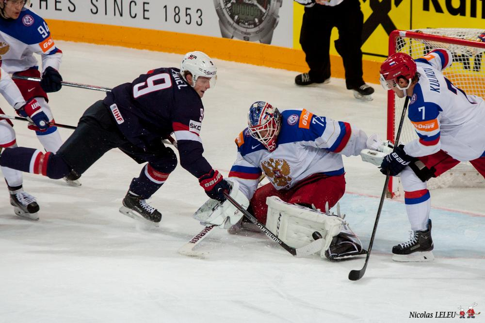 Photo hockey match United States of America - Russia