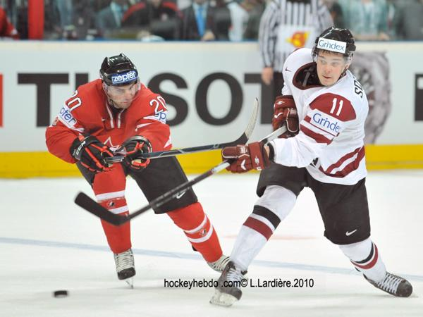 Photo hockey reportage Hockey mondial 10: Le Canada s'envole